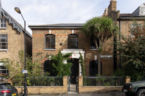 Bushey Hill Road, Camberwell, SE5. 4 bedroom detached house for sale