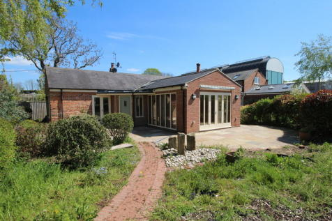 The Old Sawmill, Shincliffe. 2 bedroom barn conversion
