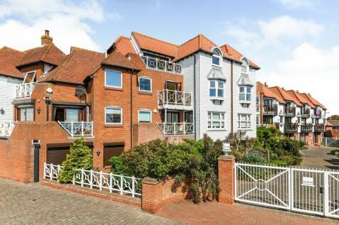 Kings Road, Burnham-On-Crouch. 4 bedroom apartment