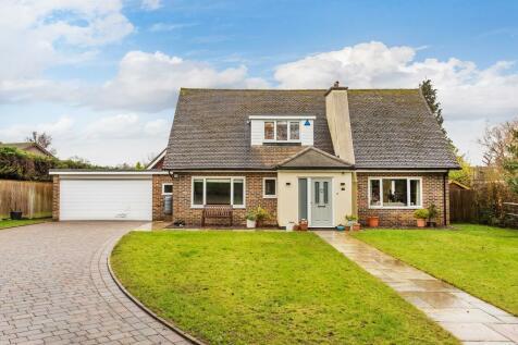 Oak Lodge Drive, Redhill, RH1. 4 bedroom detached house for sale