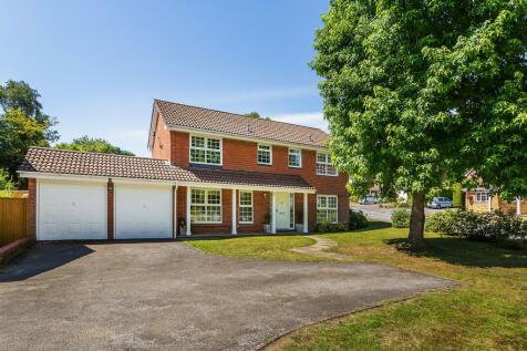 Highlands Park, Sevenoaks, TN15. 4 bedroom detached house