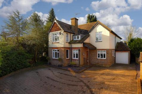 Mid Street, South Nutfield, Redhill. 4 bedroom detached house