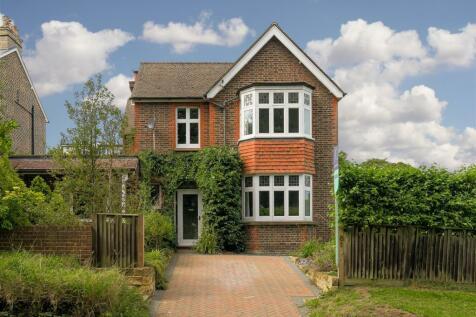 Linkfield Street, Redhill. 4 bedroom semi-detached house
