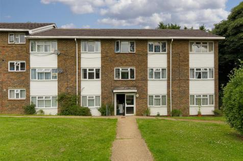Stychens Close, Bletchingley, Redhill. 2 bedroom apartment