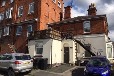 Carlyle Road, Aston Fields, Bromsgrove. 2 bedroom flat