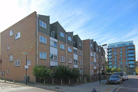 Chatham Street, Walworth. 3 bedroom flat