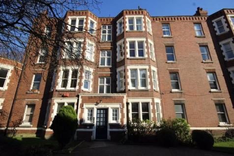 Camberwell New Road, Camberwell. 3 bedroom flat