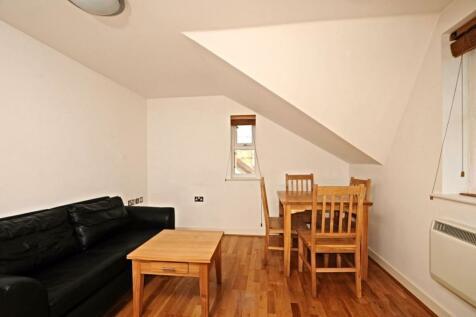 Marlborough Road, Oxford. 2 bedroom house