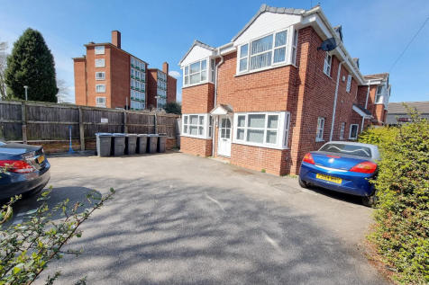 Yew Tree Lane, Birmingham, B26. 2 bedroom flat