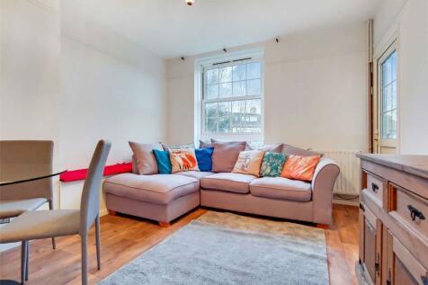 Sackville House, Gracefield Gardens, Streatham Hill, SW16. 4 bedroom apartment