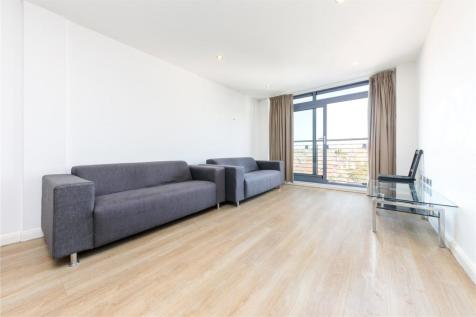 Larden Road, Stamford Brook, W3. 2 bedroom apartment