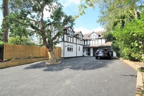 Park Way, Shenfield, Brentwood, Essex, CM15. 5 bedroom detached house for sale