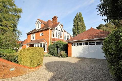 Greenway, Hutton Mount, Brentwood, Essex, CM13. 6 bedroom detached house for sale