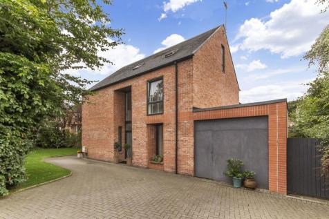 Dalia, 1A Queens Crescent, Falkirk, FK1 5JL. 4 bedroom detached house