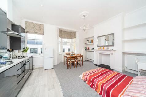 St Georges Road, Brighton, East Sussex, BN2. 2 bedroom apartment