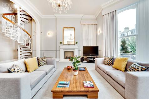 First Avenue, Hove, BN3. 3 bedroom apartment for sale