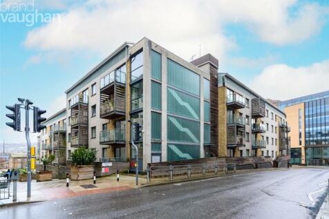 Sharpthorne Court, 2 Fleet Street, Brighton, BN1. 2 bedroom apartment