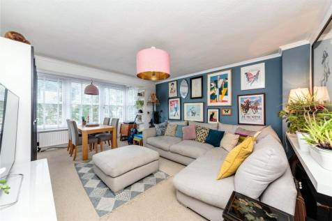 Copthorne Court, 44 The Drive, Hove, BN3. 2 bedroom apartment