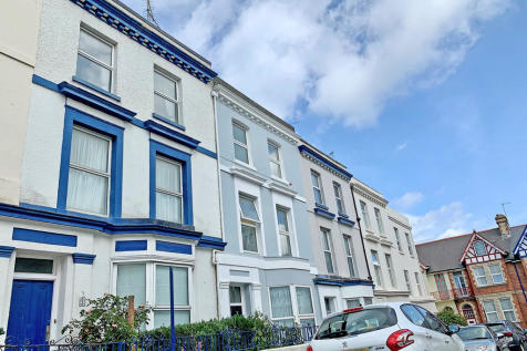 St. James Place East, The Hoe, Plymouth, Devon, PL1 3AS. 4 bedroom terraced house