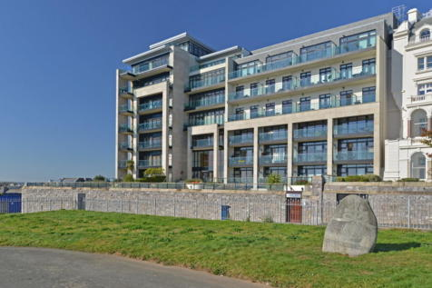 Azure, Cliff Road, The Hoe, Plymouth, PL1 2PE. 2 bedroom apartment