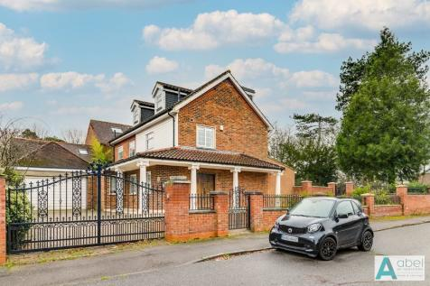 St. Ronans Close, Hadley Wood, Barnet, EN4. 4 bedroom detached house for sale