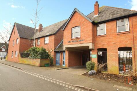 Bob Russell House, Colchester, Essex, CO1. 1 bedroom maisonette