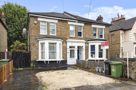 Barmeston Road, Catford. 3 bedroom end of terrace house