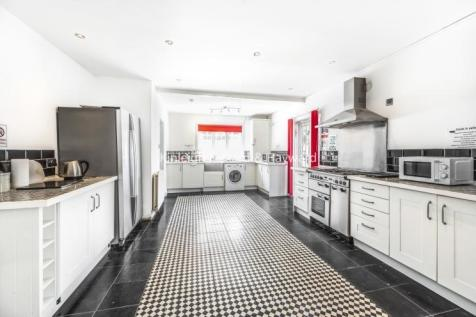Perry Hill Catford SE6. 5 bedroom house