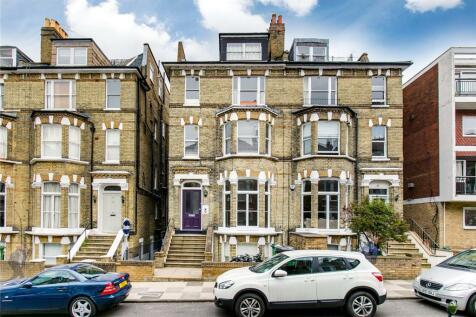 Cardigan Road, Richmond, Surrey, TW10. 2 bedroom flat