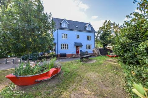 Middle Mill Road, Colchester, CO1. 5 bedroom town house