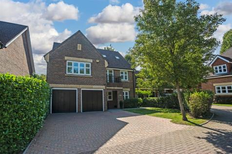 Water Mead, Chipstead, Coulsdon. 5 bedroom detached house