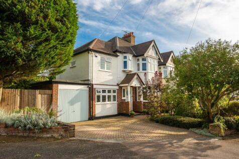 Commonfield Road. 5 bedroom semi-detached house