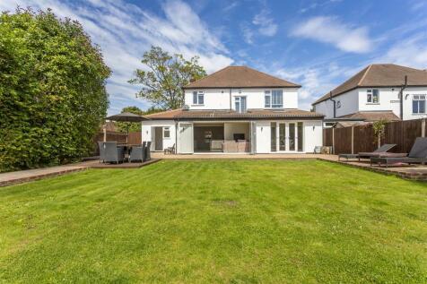 Garratts Lane, Banstead. 5 bedroom detached house