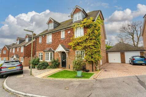 Rowan Close, Banstead. 4 bedroom semi-detached house for sale