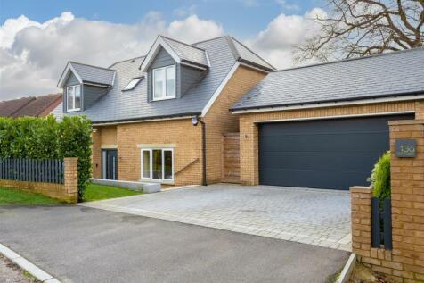 Hillside Close, Banstead. 4 bedroom detached house for sale