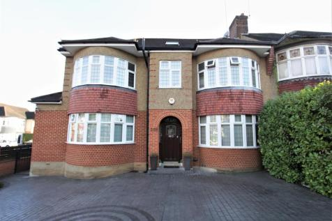 Chase Road, Southgate, N14. 1 bedroom flat