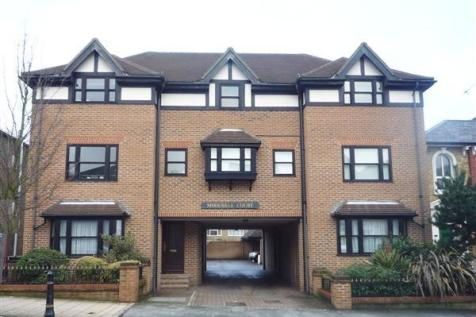 Mirravale Court, 137 Queens Road, Buckhurst Hill. 1 bedroom apartment