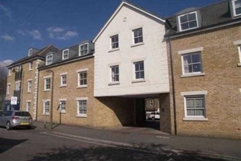 George Court, Kings Place, Buckhurst Hill. 2 bedroom apartment