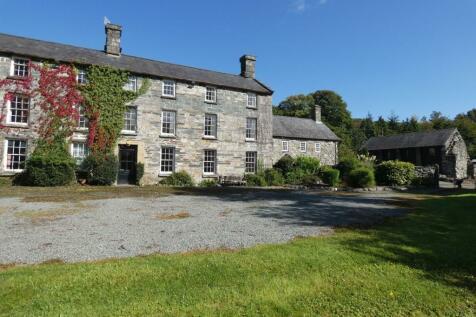 Y Llwyn, Bwthyn y Llwyn and Helm y Llwyn, Dolgellau, LL40 2YF. 10 bedroom detached house for sale