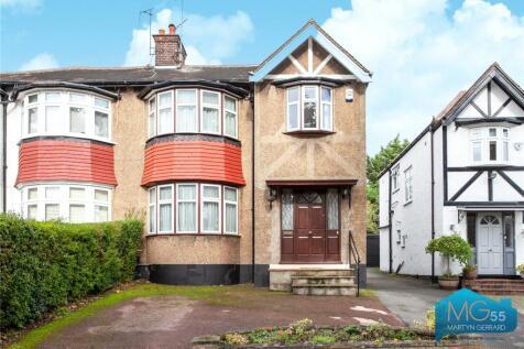 Beechwood Avenue, Finchley, London, N3. 4 bedroom semi-detached house for sale