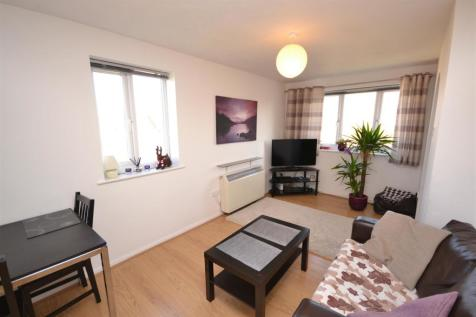 Blackdown Close, East Finchley, N2. 1 bedroom apartment