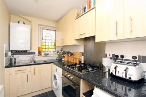 Haslemere Road, Crouch End, N8. 1 bedroom apartment