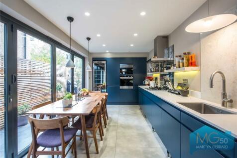 Bracey Street, Stroud Green, London, N4. 4 bedroom terraced house