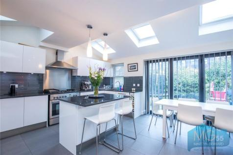 Shaftesbury Road, Crouch End Borders, London, N19. 4 bedroom semi-detached house for sale