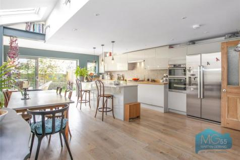 Shaftesbury Road, Crouch End Borders, London, N19, Crouch End, North London property
