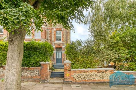 Crouch Hall Road, Crouch End, London, N8. 4 bedroom apartment for sale