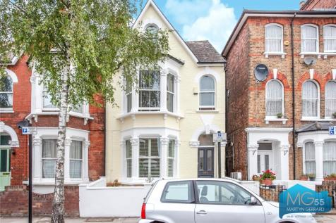 Shaftesbury Road, Crouch End Borders, London, N19. 4 bedroom end of terrace house for sale
