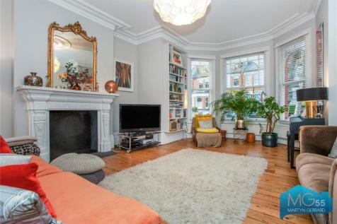 Stapleton Hall Road, Stroud Green, London, N4. 5 bedroom apartment for sale