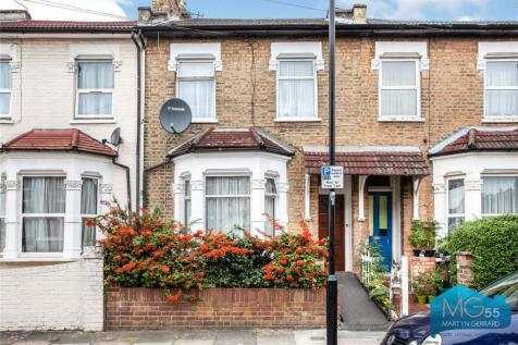 Shropshire Road, Bowes Park, London, N22. 3 bedroom terraced house