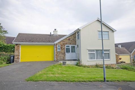 1 Park Grove, Caerwys. 4 bedroom detached house